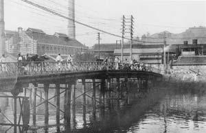 木造の稲佐橋