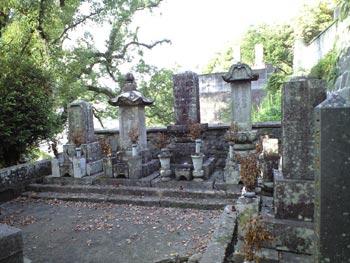楠本家の墓