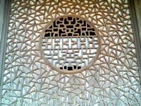 東明山・興福寺の氷裂式組子の丸窓